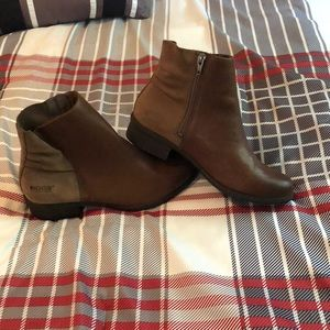 Bogs waterproof leather & suede fashion boot